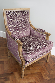 Lounge reupholstered chair